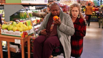 Unbreakable Kimmy Schmidt 03x05 : Kimmy Steps on a Crack!- Seriesaddict